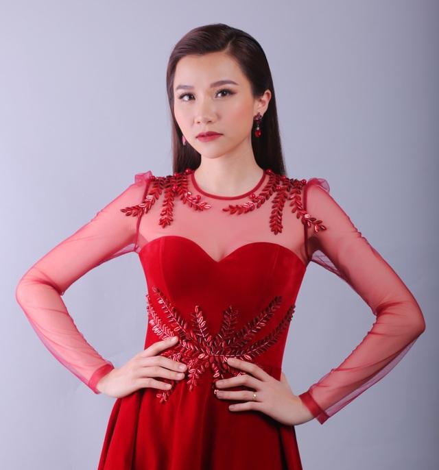 Người mẫu Thảo Nhi gây nhiều tranh cãi khi đảm nhận vị trí huấn luyện cuộc thi MC, tuy nhiên BTC cho rằng cô có nhiều yếu tố phù hợp với format chương trình năm nay.