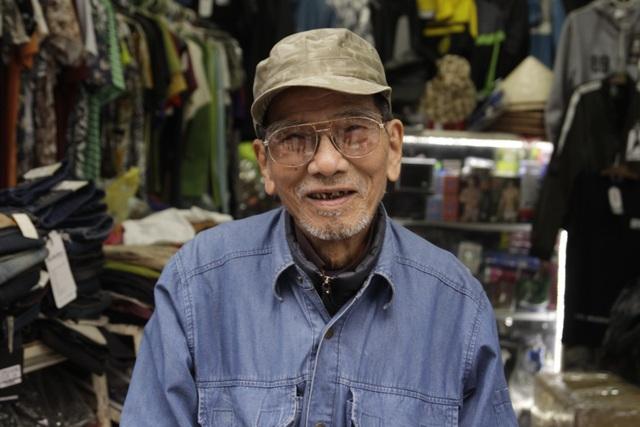 NSƯT Trần Hạnh dù trải qua nhiều biến cố trong cuộc đời vẫn luôn giữ nụ cười hiền hậu. Ảnh: LT.