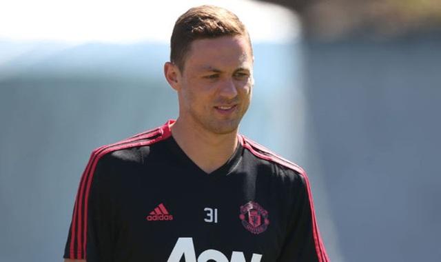HLV Mourinho có thể kéo Matic xuống đá trung vệ