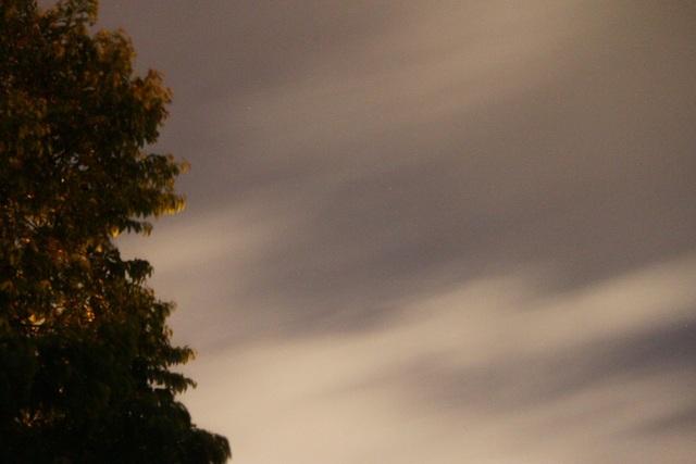 Bầu trời đã không còn thấy mặt trăng sau 2h30