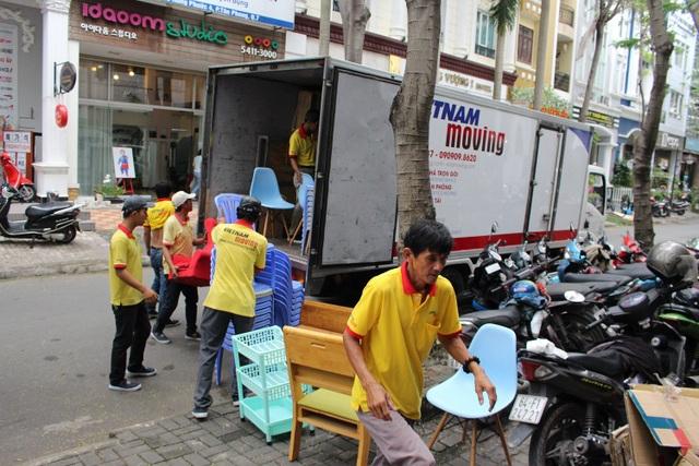 Đội ngũ nhân viên cung cấp dịch vụ taxi tải chuyển nhà trọn gói giá rẻ TPHCM tại Vietnam Moving