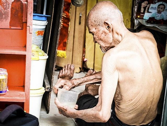 Cựu chiến binh hơn trăm tuổi vẫn bán quán mưu sinh giữa Thủ đô - 12