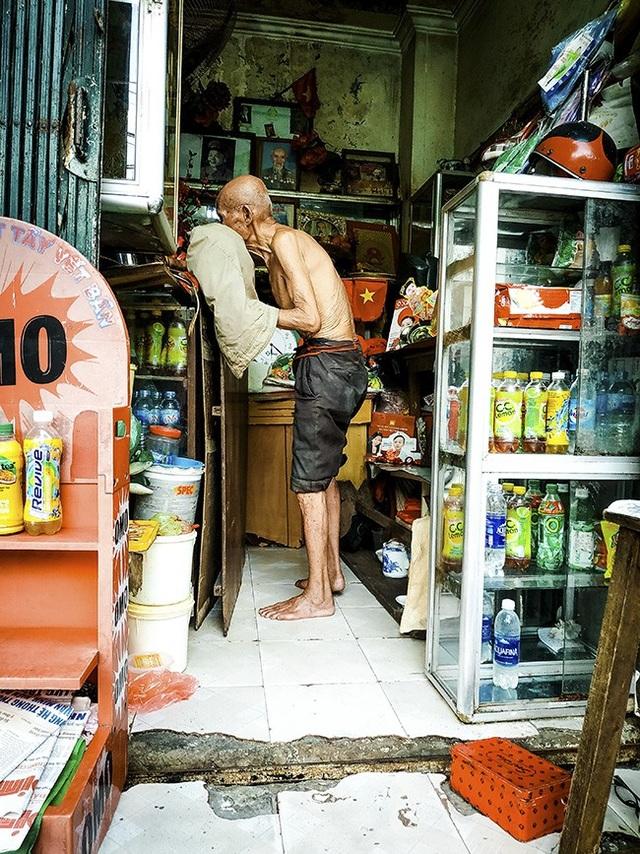 Cựu chiến binh hơn trăm tuổi vẫn bán quán mưu sinh giữa Thủ đô - 6