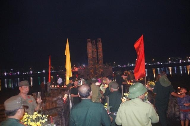 Lễ hòa đất và nước vào dòng sông Thạch Hãn