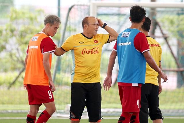 HLV Park Hang Seo sẽ tìm thấy đội hình chính thức cho Olympic Việt Nam sau giải tứ hùng quốc tế vào đầu tháng 8? (ảnh: Gia Hưng)