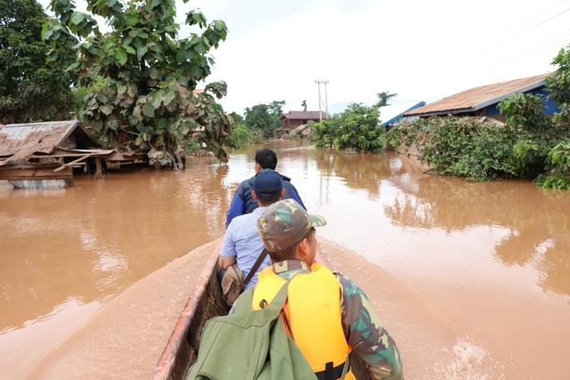 Nhiều đoàn cứu hộ khác vẫn đang phối hợp để nỗ lực tìm kiếm các nạn nhân mất tích