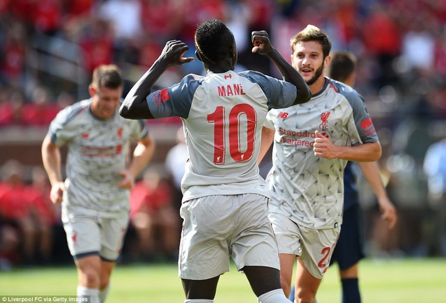 Mane mở tỉ số cho Liverpool từ chấm 11m