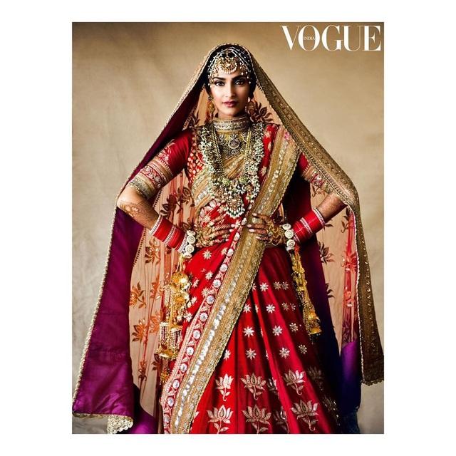 Những hình ảnh đẹp như mơ trong hôn lễ minh tinh Ấn Độ - 7