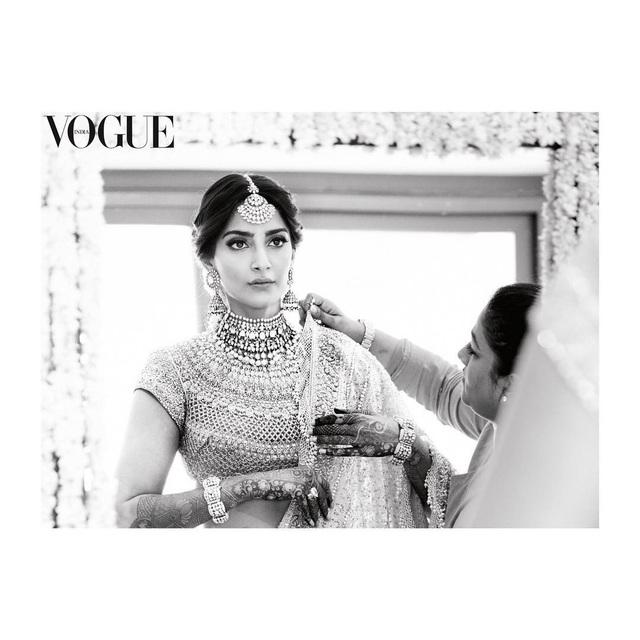Những hình ảnh đẹp như mơ trong hôn lễ minh tinh Ấn Độ - 9