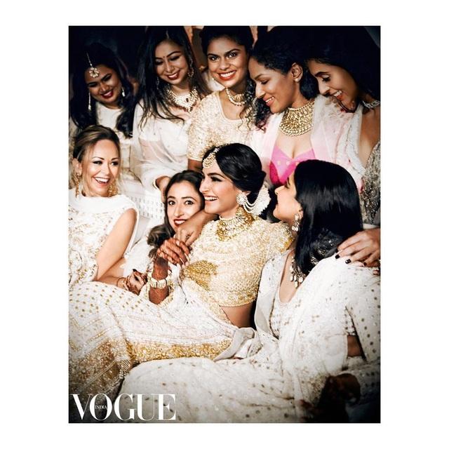 Những hình ảnh đẹp như mơ trong hôn lễ minh tinh Ấn Độ - 10
