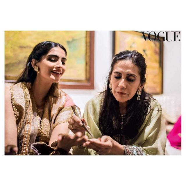 Những hình ảnh đẹp như mơ trong hôn lễ minh tinh Ấn Độ - 18