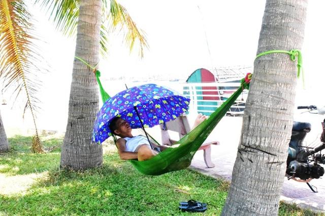 Quảng Bình: Người dân gồng mình chống chịu cái nắng như đổ lửa - 7