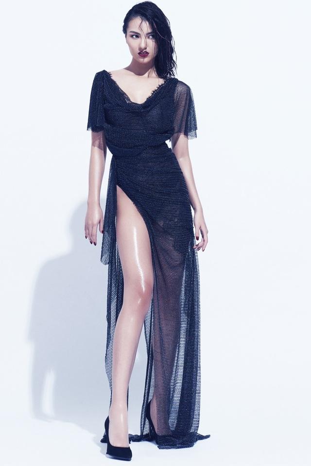 Hồng Quế, Hoàng Yến phô diễn ngực khủng trong loạt váy hở bạo, ướt át - 12