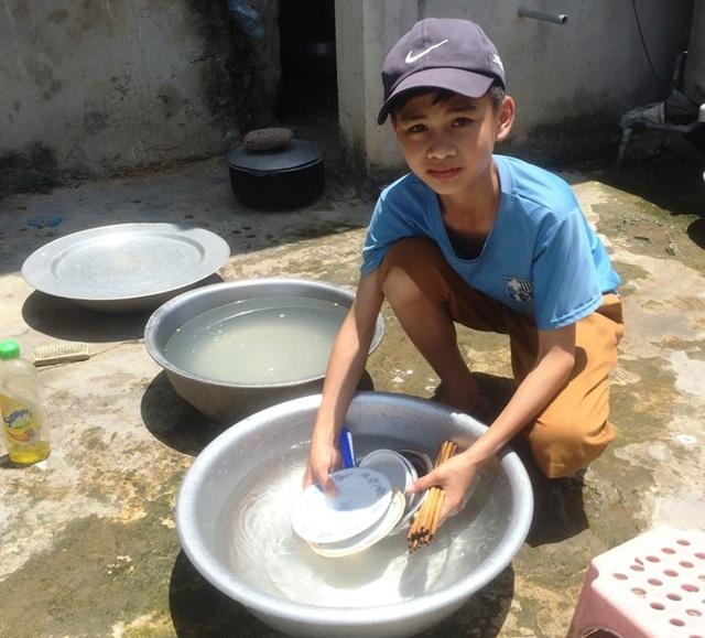 Do thiếu nước trầm trọng nên người dân phải tiết kiệm hết mức có thể.