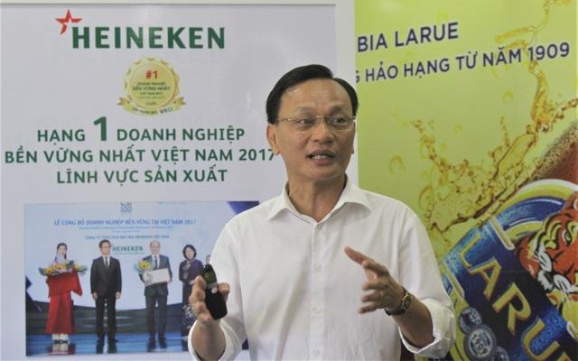 Ông Nguyễn Thanh Phúc, Tổng Giám đốc nhà máy bia Heineken Đà Nẵng cho rằng không nên đưa giới hạn thời gian bán rượu, bia vào dự thảo Luật phòng chống tác hại rượu, bia. (Ảnh: Hồng Vân)
