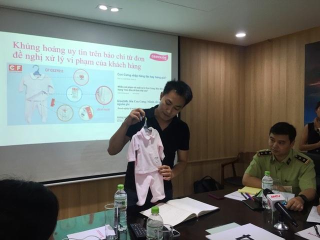 Ông Nguyễn Quốc Minh giải thích về chất lượng sản phẩm của Con Cưng. Ảnh: Đại Việt
