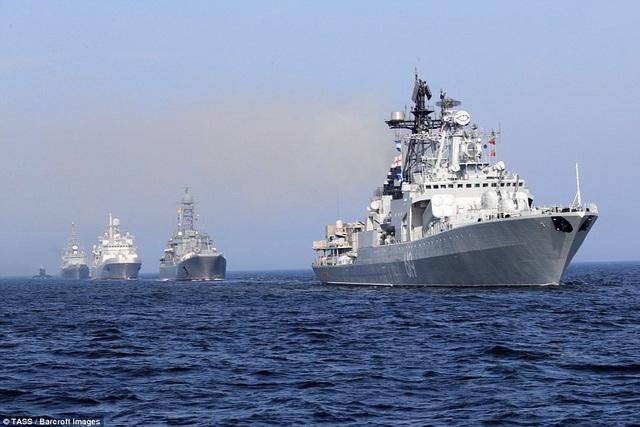 Được thành lập từ năm 1696 dưới thời Peter Đại đế, Hải quân Nga tính đến nay đã trải qua lịch sử 322 năm. Ngày Hải quân Nga được chính thức công nhận từ năm 1939 trong giai đoạn Liên bang Xô viết. (Ảnh: TASS)