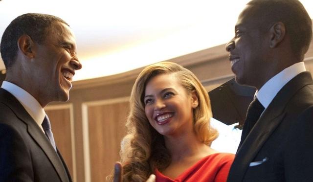 Ông bà Obama và vợ chồng 2 siêu sao âm nhạc thế giới Beyonce và Jay Z vốn là bạn thân ngoài đời. (Ảnh: Celebrity Insider)