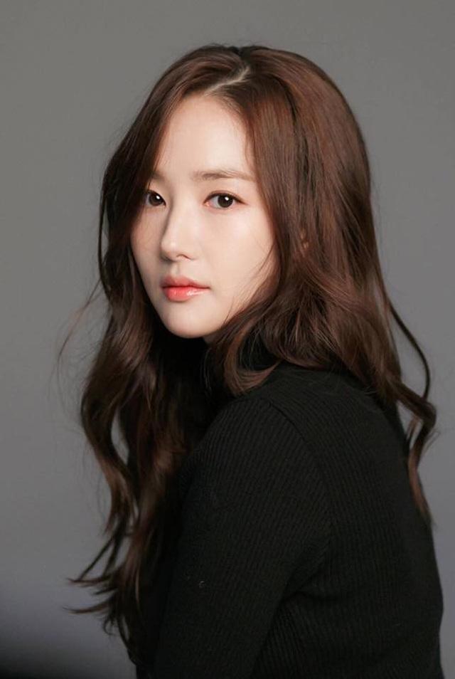 """Mê mẩn ngắm vẻ thần tiên của """"thư ký Kim"""" Park Min Young - 7"""