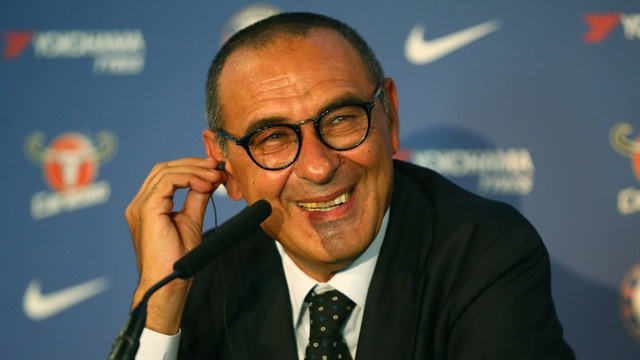 Maurizio Sarri là mẫu huấn luyện viên tuyệt vời giống Alex Ferguson