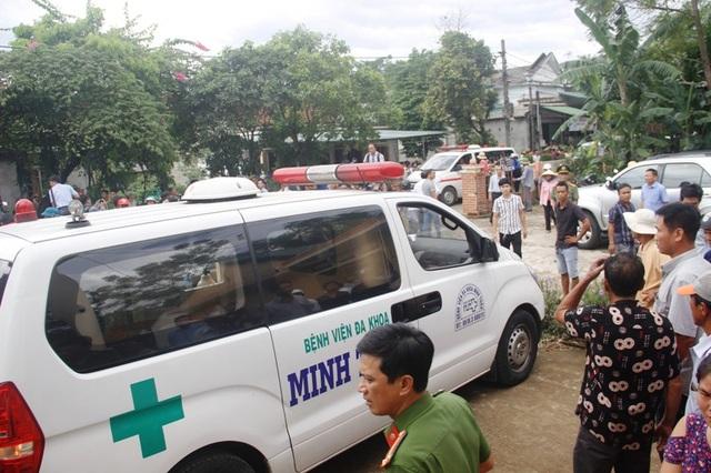 Xe chở thi thể các nạn nhân về quê lo hậu sự