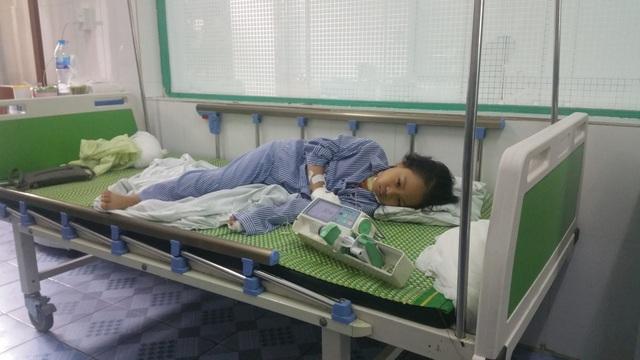 Nạn nhân đang điều trị tại bệnh viện (ảnh CTV)