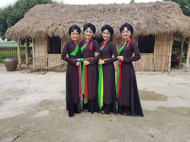 Dàn thiếu nữ Bắc Ninh mặc áo tứ thân tới tấp nhận được lời khen xinh đẹp - 7