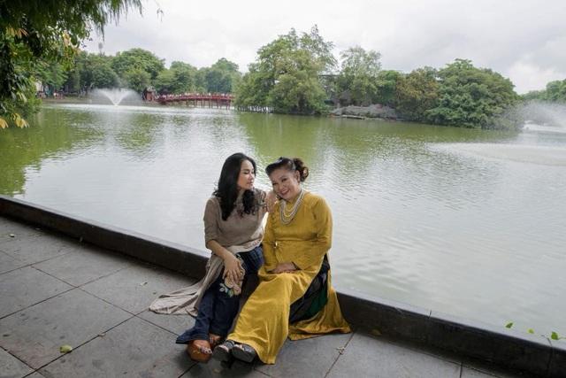 Kể từ khi nhạc sĩ Thuận Yến ra đi, gia đình diva Thanh Lam vẫn thường xuyên lên nghĩa trang thắp hương cho ông. Mộ phần của ông được gia đình chăm sóc hết sức chu đáo và luôn có cây xanh che bóng, hoa tươi trên phần mộ.