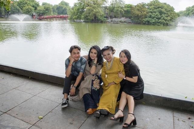 Nhờ có sự quan tâm và chăm sóc của các con mà nghệ sĩ Thanh Hương cũng bớt đi phần cô đơn và thương nhớ người chồng quá cố.