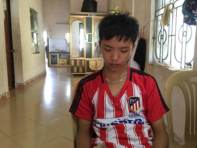 Em Nguyễn Tấn Dũng buồn bã vì không thể vào nổi bất cứ một trường THPT nào