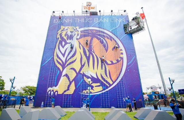 Nha Trang sẽ điểm đến tiếp theo trong hành trình xuyên Việt của Bức tường Tiger. Sự kiện sẽ diễn ra vào cuối tuần này trên Quảng trường 2/4 trong liên tiếp 3 ngày từ 3-5/8, bắt đầu từ 9:00 đến 22:00 (vào cửa tự do).
