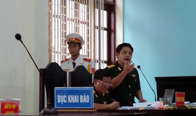 Đại diện Viện kiểm sát nêu quan điểm tại tòa