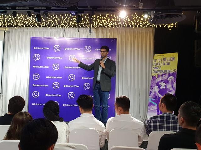 Đại diện Viber giới thiệu về tính năng mới tại Việt Nam