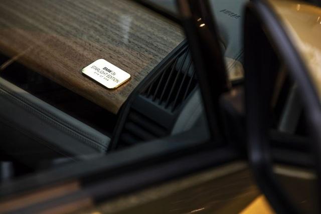 BMW trộn bột vàng vào sơn xe i3 và i8 - 3