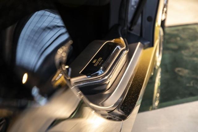 BMW trộn bột vàng vào sơn xe i3 và i8 - 9