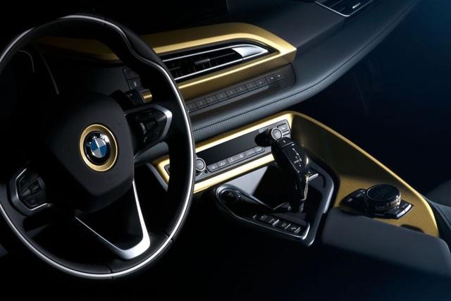 BMW trộn bột vàng vào sơn xe i3 và i8 - 8