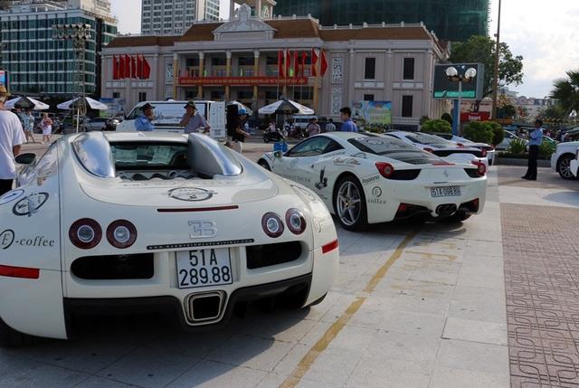 Ông hoàng tốc độ Bugatti Veyron cũng góp mặt