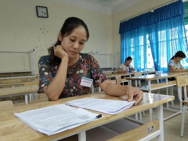 Cán bộ chấm thi môn Ngữ văn.