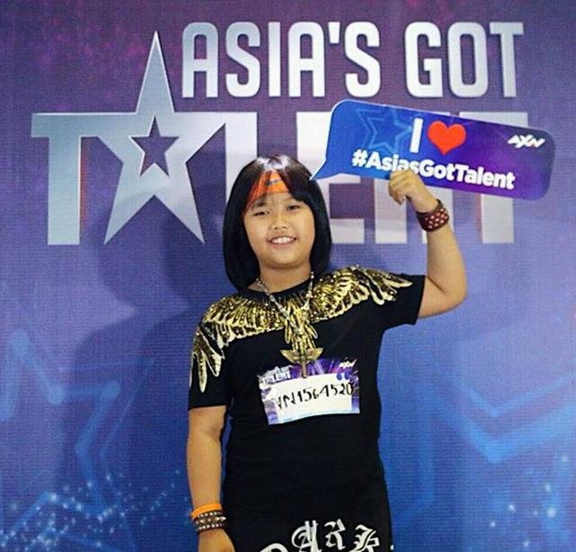 Quán quân Vietnams Got Talent (Tìm kiếm tài năng Việt Nam) mùa 4 Trọng Nhân bất ngờ có mặt tại chương trình Tìm kiếm tài năng Châu Á khi chương trình tổ chức vòng loại tại Việt Nam.