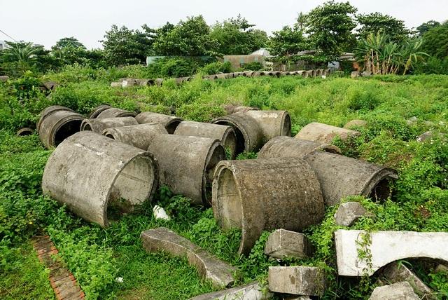 Hệ thống cống thoát nước phơi nắng, phơi mưa suốt thời gian dài.