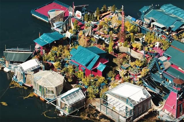 """Cặp đôi dành 20 năm xây dựng cả một hòn đảo làm """"chốn nương thân"""" - 2"""