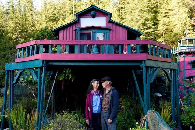 """Cặp đôi dành 20 năm xây dựng cả một hòn đảo làm """"chốn nương thân"""" - 3"""