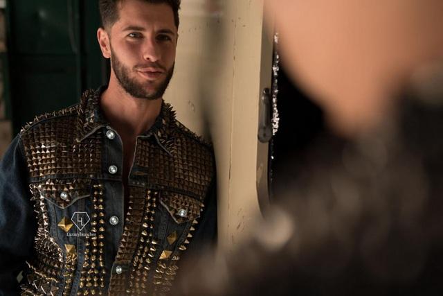 """""""Siêu phẩm"""" áo khoác đắt nhất thế giới có giá... hơn 100 tỷ đồng - 2"""