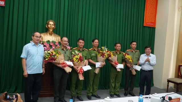 Khen thưởng các lực lượng tham gia phá án