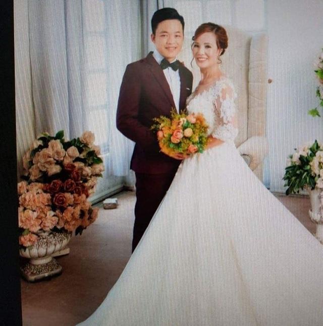 Chú rể Triệu Hoa Cương và cô dâu Lê Thị Thu Sao hạnh phúc trong bộ ảnh cưới