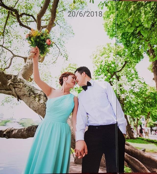 Cả hai mới đăng ký kết hôn chứ chưa tổ chức đám cưới.