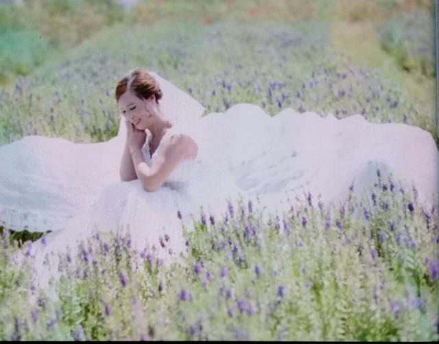 Cô dâu Lê Thị Thu S. rạng rỡ và hạnh phúc trong bức hình chụp ảnh cưới