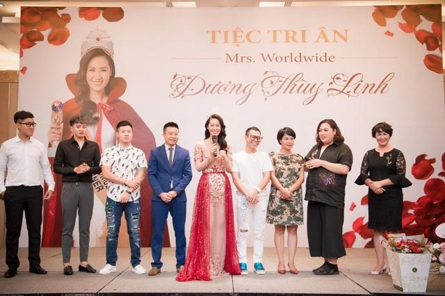 Dương Thuỳ Linh đã để gửi lời tri ân đến gia đình, ê kíp và bạn bè đã ủng hộ cô trong suốt hành trình cô chinh phục vương miện.