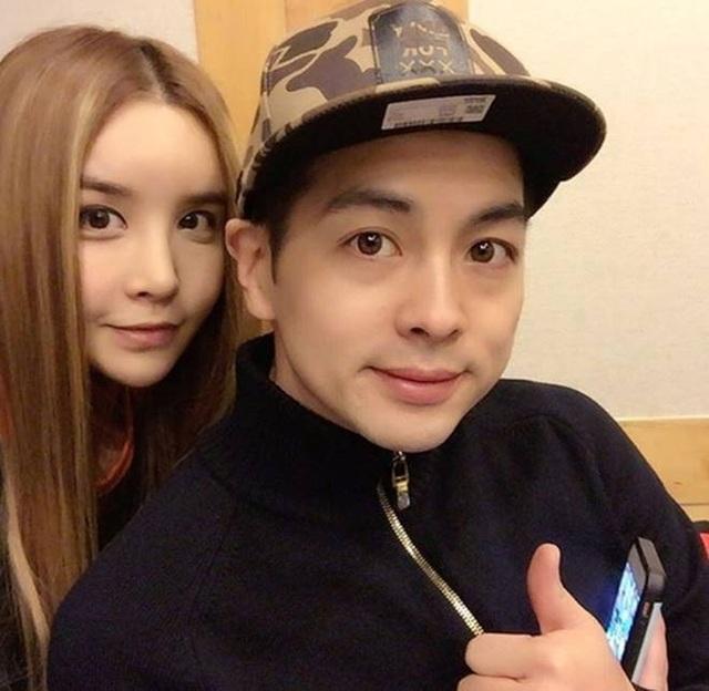 Harisu vừa ly dị chồng, Mickey Jung, vào tháng 6 năm ngoái sau 10 năm chung sống.
