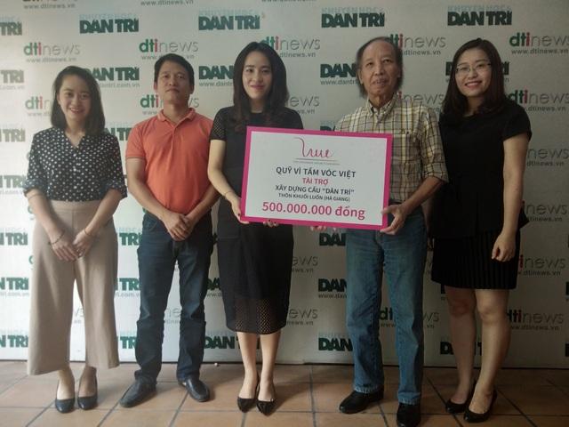 Với sự hỗ trợ của Quỹ Vì Tầm Vóc Việt, người dân, thầy cô giáo và học sinh ở thôn Khuổi Luồn sẽ có một cây cầu chắc chắn, an toàn trong thời gian tới